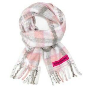 🧣Victoria's Secret Plaid Plush Scarf